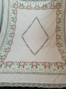 Hand embroidered tablecloth - Italy. 1960 / 1970.