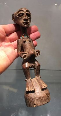 Very beautiful ancient figurine carved in wood - SONGYE - Former Belgian Congo