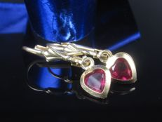 Old gold heart earrings with spinel in ruby colour