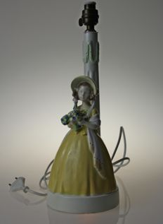 Goldscheider -  Rare lamp in glazed earthenware - Young girl holding flowers