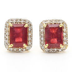 14K Gold stud earrings with 4.38 cts Ruby and 0.18 ct Diamond, Size 9.4 x 11.27 mm