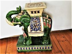Large Chinese Elephant table/stool in ceramic - China - late 20th century (60 cm)