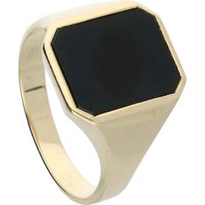 14 kt - Yellow gold signet ring set with an onyx - Ring size: 21 mm