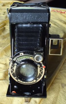 Old Camera ZEISS IKON Nettar 515/2 from 1933