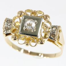 Elegant vintage retro fifties ring with rose cut diamonds