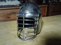 Parade steel helm, for theatrical staging or exhibitions - In steel, 1990s - Italy