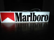 MARLBORO. illuminated MARLBORO ad. Original. ca.64/15,5/11,5cm . not used.