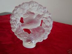 Lalique ( France) - dove of peace with a laurel wreath
