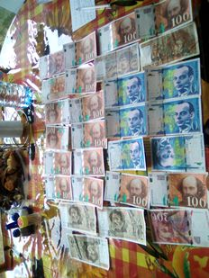 France - 28 bank notes - 16 x 100 Francs, 6 x 50 Francs, 2 x 200 Francs, 1 x 10 Francs and 1 x 20 Francs