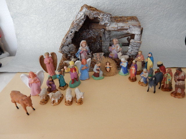 "Beautiful lot of 23  old ""DEVINEAU"" Christmas crib figurines in polychrome plaster with animals - beef - donkey - sheep for the Nativity scene"