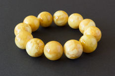 Baltic Amber vintage bracelet in milk honey colour with marble effect, 42.80 gr.
