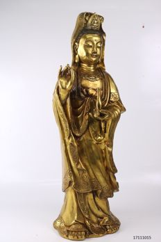 Large statue of Guanyin in bronze - China - 2nd half 20th century (58 cm)