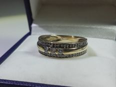 Beatiful 14k gold ring with 57 diamands (0.42ct), size 17mmm/ 3.3g