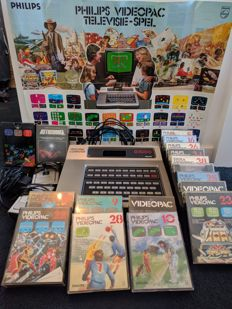 Philips Videopac G7000 with 16 old games and 1 recent/new game