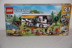Creator - 31052 - Camper with Camping-place