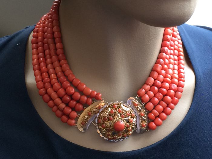 Necklace 5 Strands.