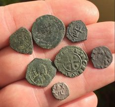 Mints of Italy - (14) Lot of Medieval coins, Southern Italy mints - Aragonese, Swabians, Angevins and Normans - XII/XIII century