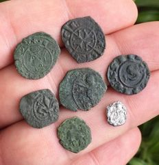 Mints of Italy - (8) Lot of Medieval coins, Southern Italy mints - Aragonese, Swabians, Angevins and Normans - XII/XIII century
