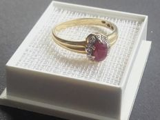 Beatiful 14k gold ring with a natural ruby/diamands, size 16.80mm/ 2.15g***no reserve