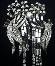 18 Ct Gold & 850 Platinum  Large Size Vintage Brooch,
