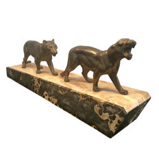 H. Gual - pair of panthers - Art Deco sculpture made of regule
