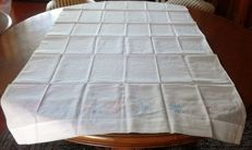Antique embroidered linen tablecloth + 4 napkins