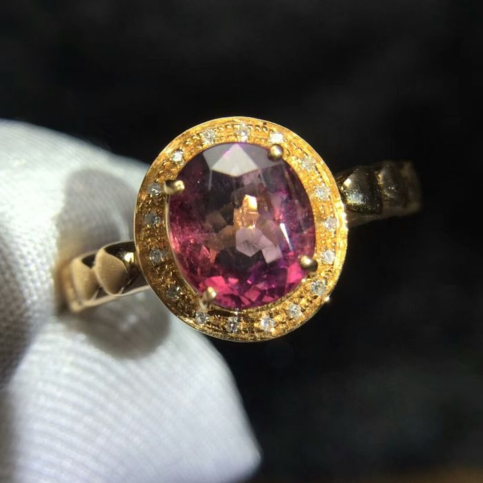 1.65 Carat Tourmaline Ring In 18K Solid Gold with Diamond; Ring Size: 6.75*** Free Shipping *** Free Resizing