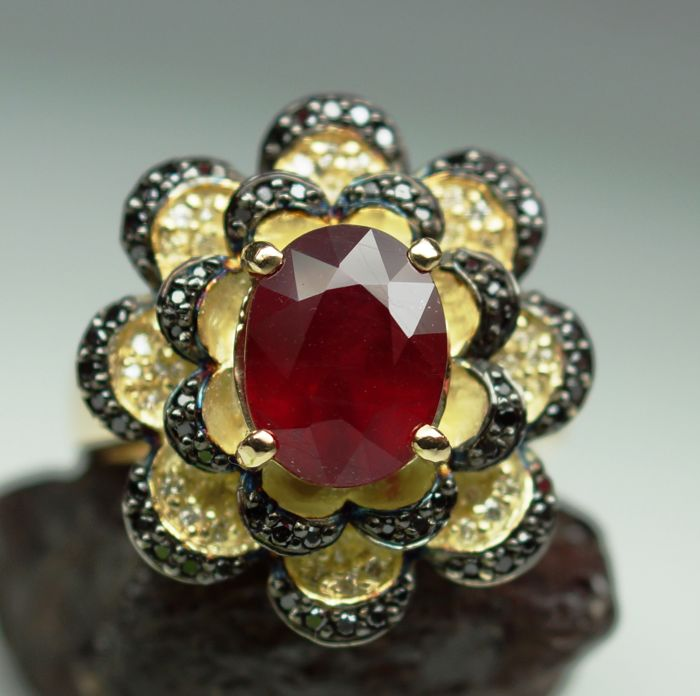 Gold Ring - 10.18 gr. with Ruby 3.68 ct. and Diamonds - 0.75 ct. total, size 58