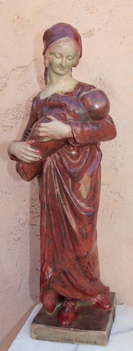 Hector Lemaire (1846-1933) - Femme à l'Enfant - Large statue made of enamelled stoneware