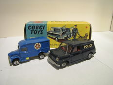 Corgi Toys/Corgi Junior - Scale 1/43-1/66 - Mini Police Van No.448 en Ironside Police Van No.1007