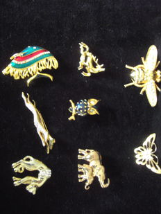 Miscellaneous lot: 8 brooches from the 1960s–1970s