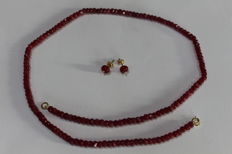 Set Ladies with Necklace and Earrings with Rubies of 4 x 2 mm and the earrings of 6 x 3 mm