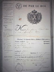 "Royal passport ""De par le roi..."" (by the King) dated January 30th, 1815, very nice vignette with the King's arms topped with the crown"