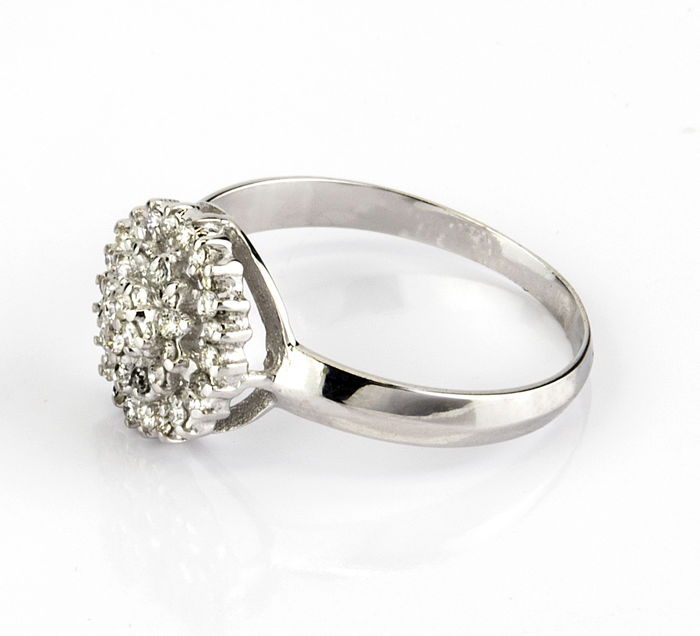 Cocktail ring in 18 kt wit goud met briljant-cut diamant in Drukafstelling - Ringmaat: 16,5 (Spanje)