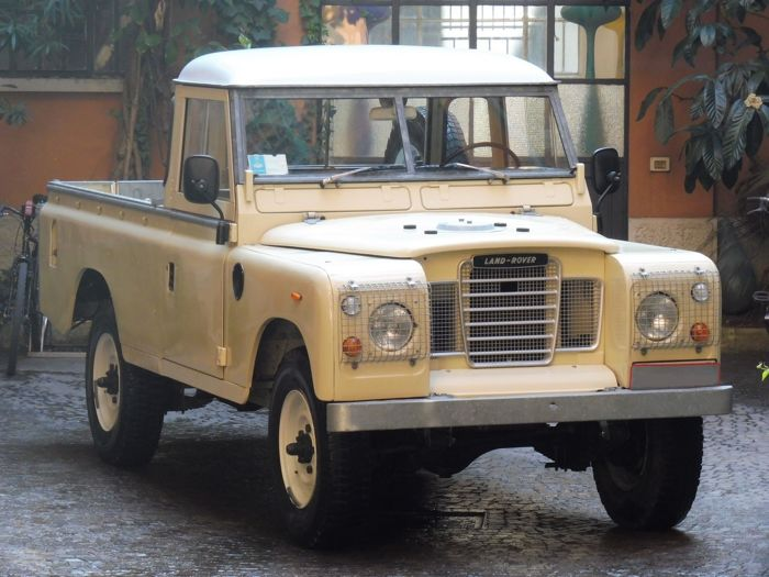 land rover 109 series 3 pickup 1977 catawiki. Black Bedroom Furniture Sets. Home Design Ideas