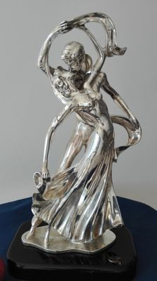 Dancers - Vintage statue in rolled silver