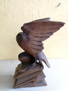 Sculpture of eagle in carved beech wood. Tirol, Italy. Early 1900s