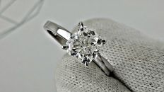 2.08 ct F/VS1  radiant diamond ring made of 14 kt white gold - size 8