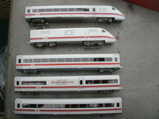"Märklin H0 - 36711/44322 - 4-piece train unit with extra carriage BR 402 ""ICE"" of the DB"