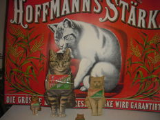 promotional advertising poster for HOFFMANN'S STÄRKE 60 x 42 cm and 4 stand-up cats made of paperboard, 1930-40s