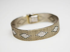 Silver bracelet with beautiful pattern – gold plated