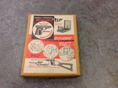 Fifties air gun with shooting dolls (family/board game)