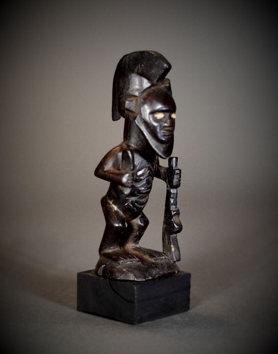 African Tribal BEMBE or BABEMBE Gunmen Figure. Democratic Republic of the Congo.