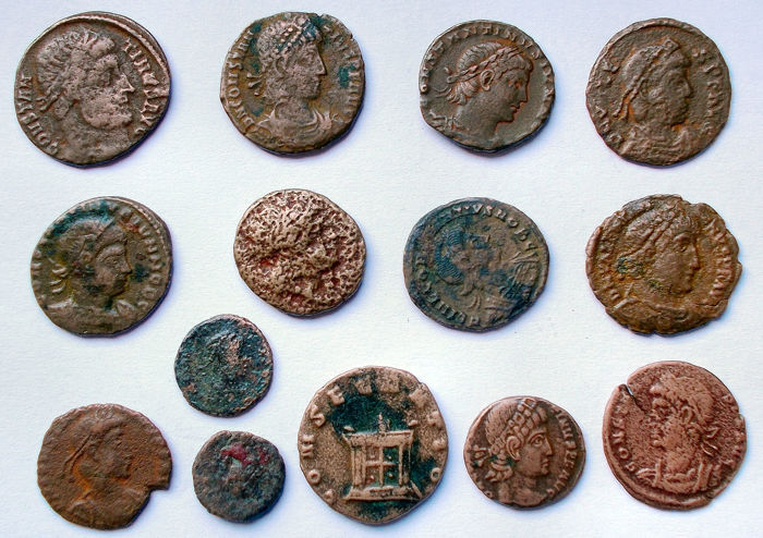 Roman -  Lot 14 pieces. Ae.