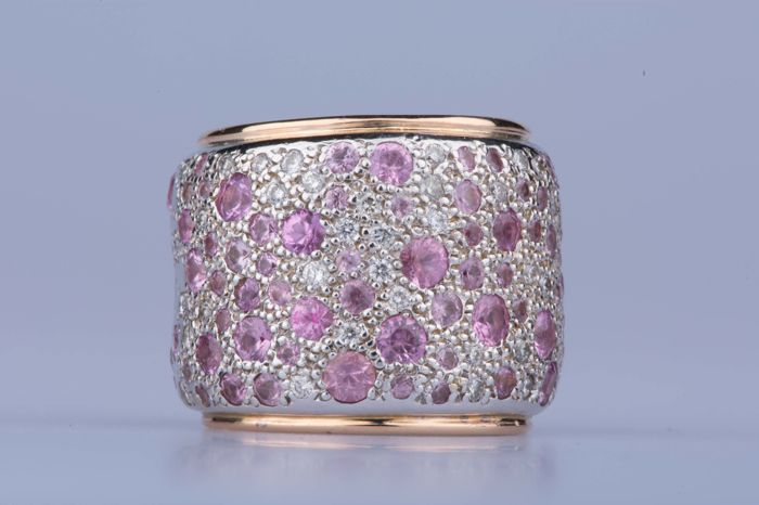 Pomellato – 18 kt white/rose gold Sabbia band ring with diamonds and pink sapphires – Size: EU: 56 US: 7 1/4
