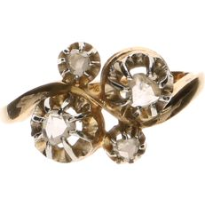 18 kt Yellow gold ring set with 4 rose cut diamonds - Ring size: 16 mm