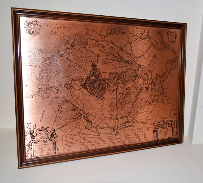 Map obsessa et expvgnata friderico henrico  of the town of Breda etched on copper plate.