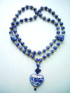 Antique Chinese Export to USA - Blue & White Porcelain Oriental Beaded Necklace with Gold plated spacers and Pendant - NO Reserve