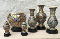Selection of cloisonné/champlevé vases and jar – China – late 20th century