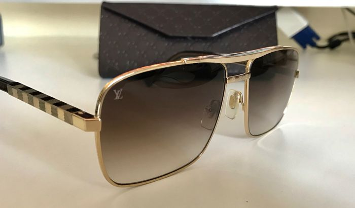 74a89d4cd3175c Louis Vuitton - Attitude Gold ZO259U Bril - Catawiki